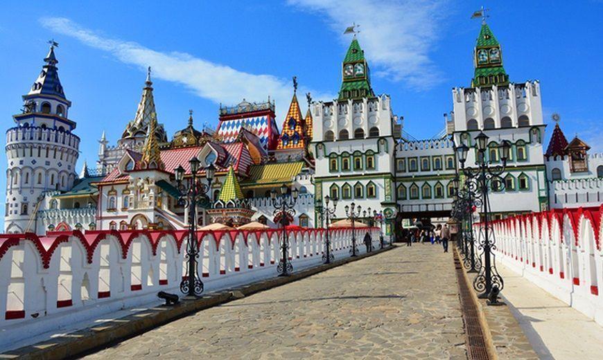 Mercado-de-Izmailovo-kremlin