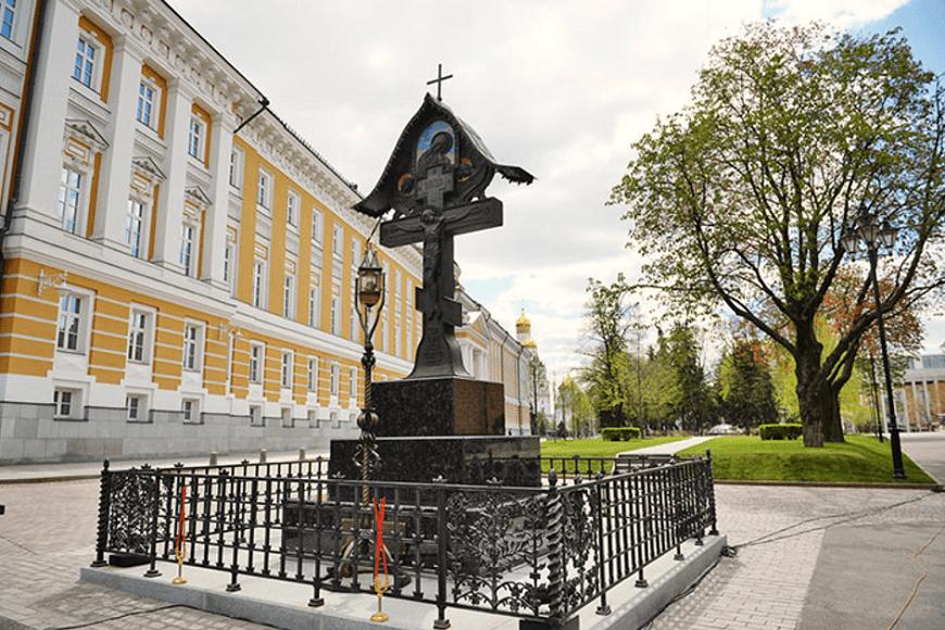 El-Kremlin-Monumento-al-Gran-Duque-Serguéi-Alexándrovich-de-Rusia