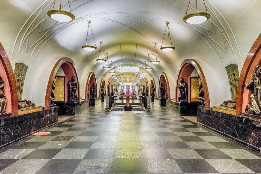 Estación-Ploshchad-Revolutsii