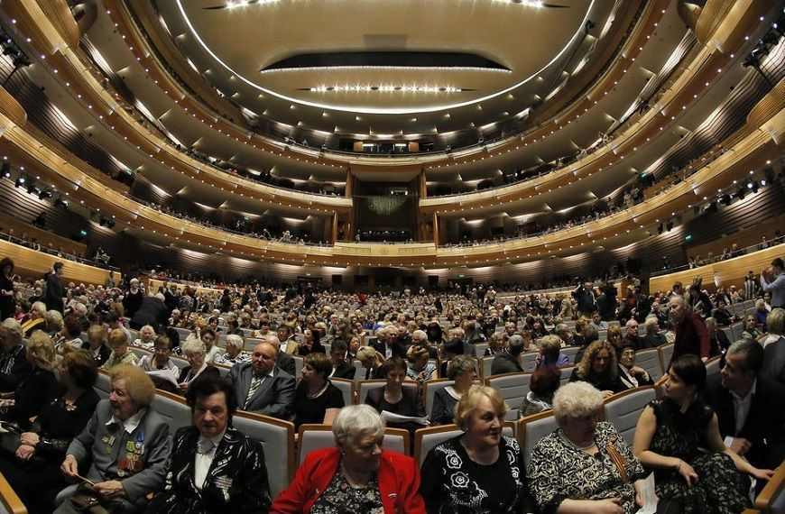 público-asistente-al-teatro