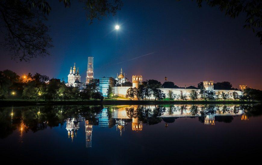 Monasterio-Novodevichy -noches-de-Moscú