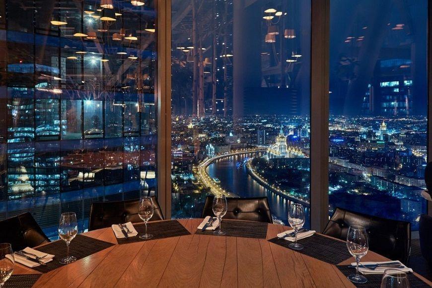 visita-nocturna-Moscow City-restaurante-Sixty-Torre-Federación