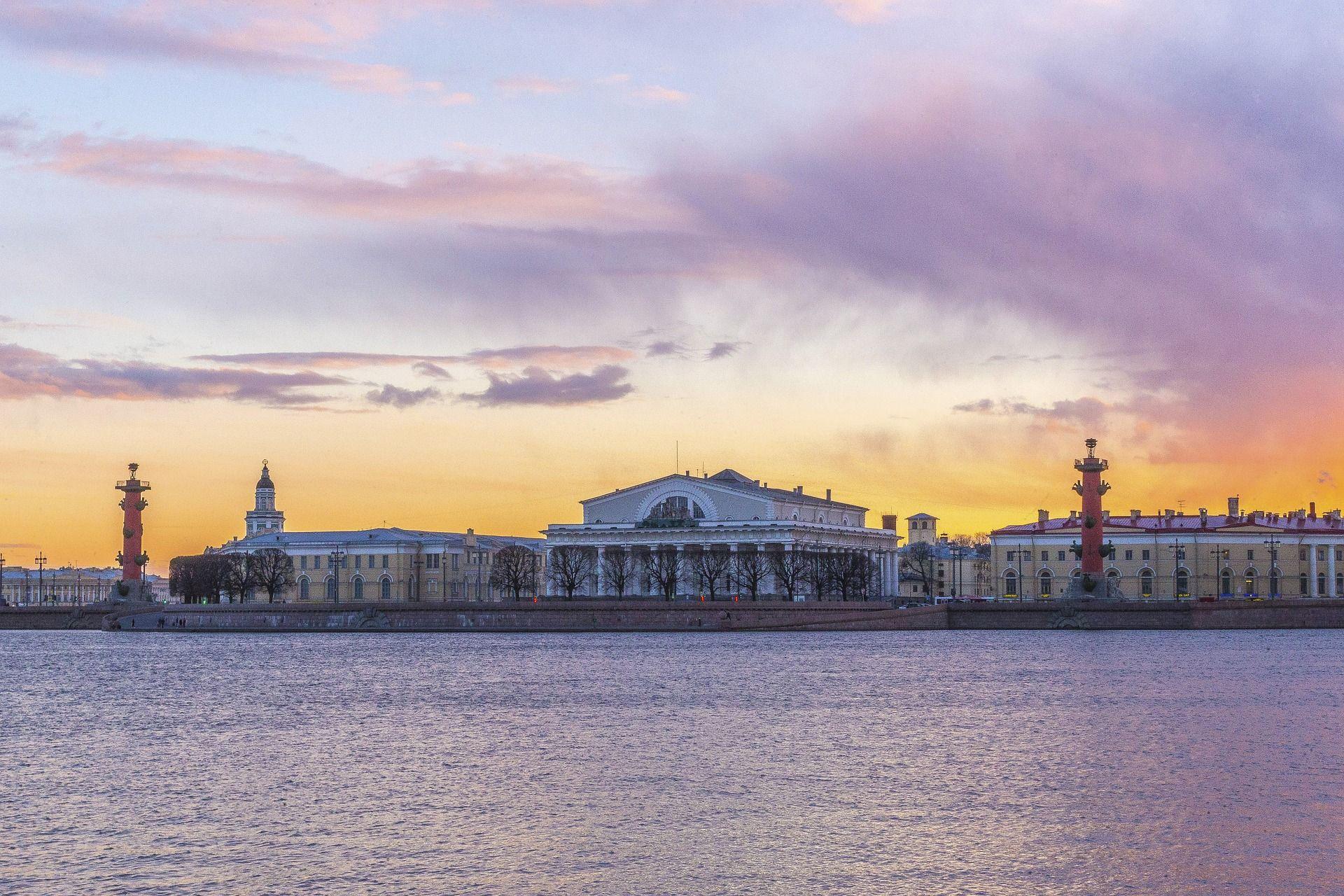 Rio Nevá y vista hacia la isla Vasilievsky